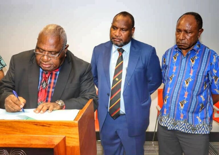 JAMES MARAPE: Press Statement on the Occasion of signing of the Environment Impact Statement (EIS) Approval-In-Principle (AIP) for Wafi Golpu Mining Project.