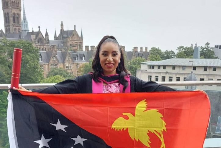 Papua New Guinea Woman